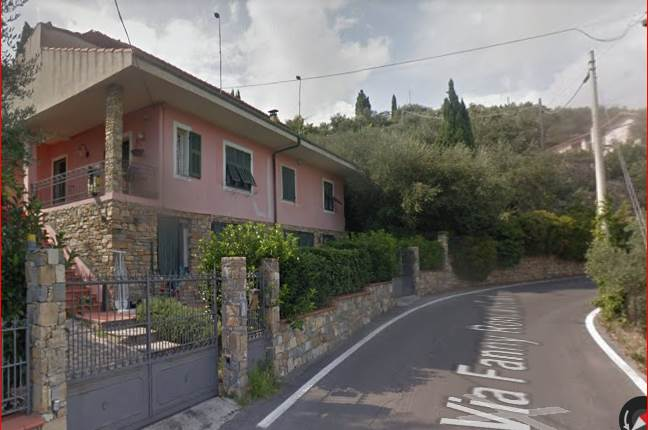 Villa all'asta a IMPERIA Via Fanny Roncati 145